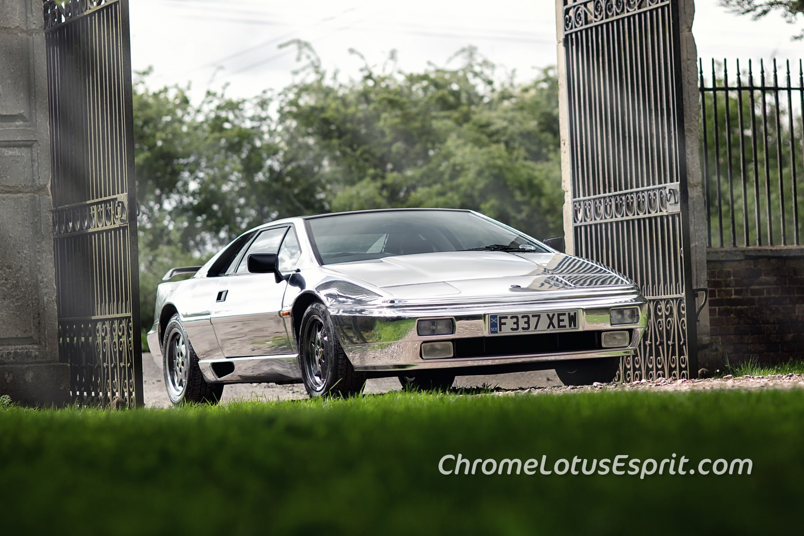 Chrome-Lotus-Esprit-for-sale-05